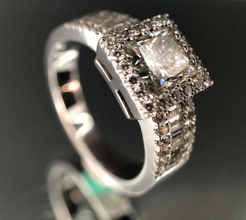 49 Bague diamant taille taille princesse