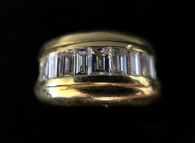68 Bague diamant taille baguette