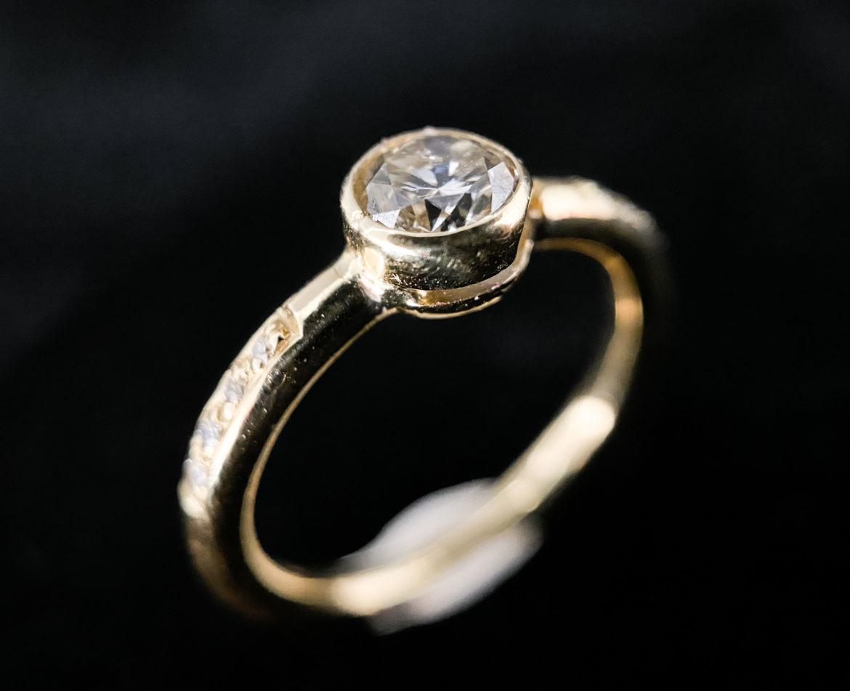 70 Bague diamant taille brillant