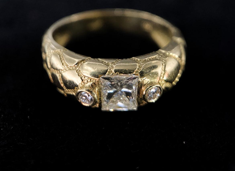 71 Bague diamant taille princesse
