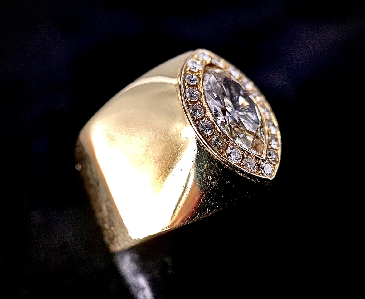 80 Bague marquise