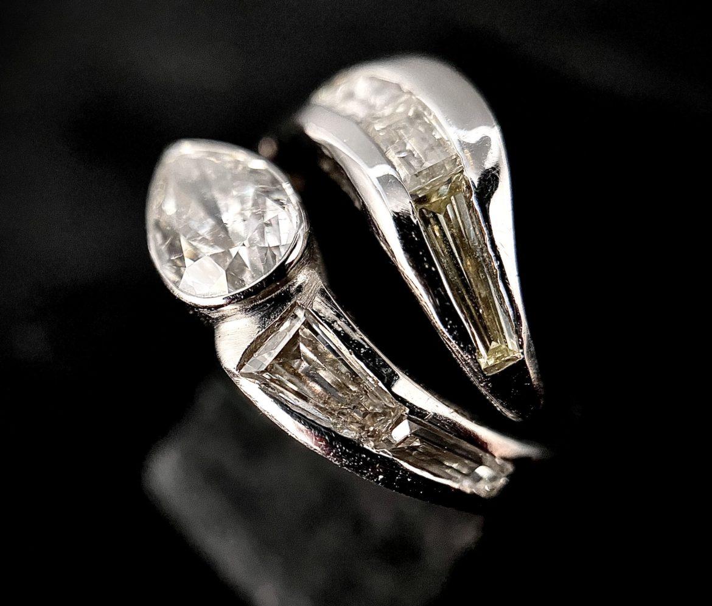 89 Bague diamant poire forme serpent